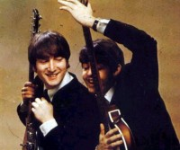 cuties-guitars-john-lennon-paul-and-john-paul-mccartney-favim-com-209127.jpg