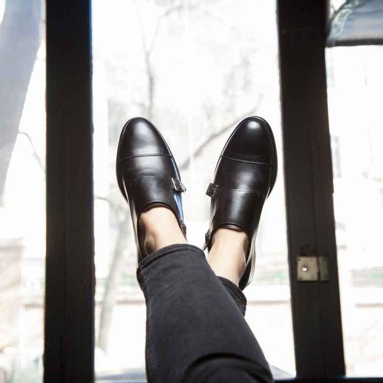 Zapato monk negro de doble hebilla para mujer June Black por Beatnik Shoes