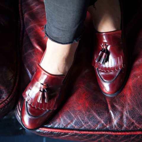 Mocasines rojos de mujer con borlas Tammi Red por Beatnik Shoes
