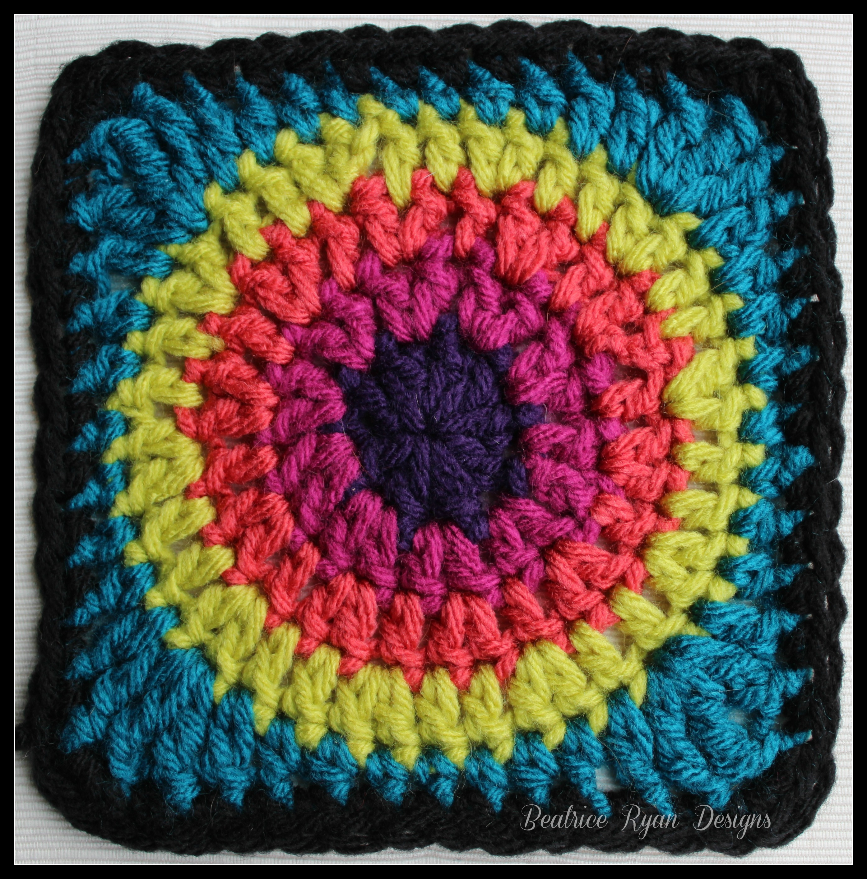 Granny\'s Circle in Square… Free Crochet Pattern!