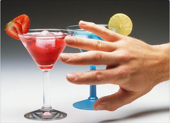 tomar_alcohol_resulta_abstemia