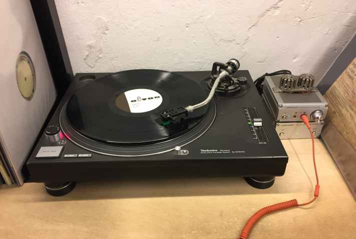 Turntable at Discos Paradiso