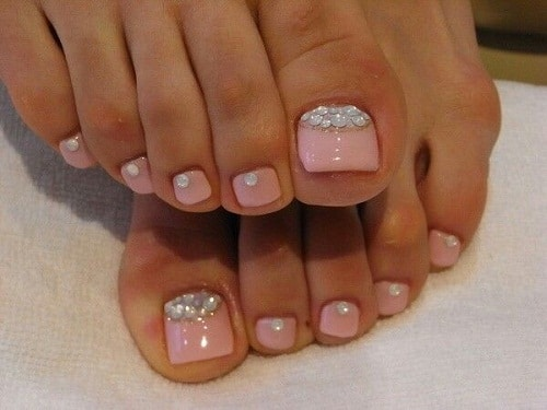 Pink With Gems Cute Toe Nail Designs