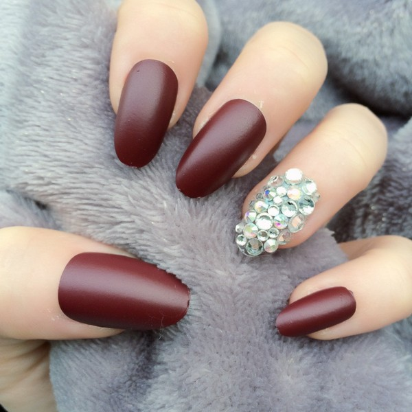 27 Oval Nails Designs And Ideas In Trend Now 2020