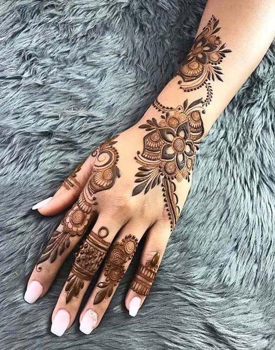 Full Back Hand and Wrist Arabic Mehndi Design