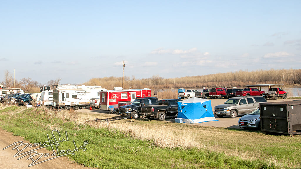 parking lot of paddlefishing boats and campers