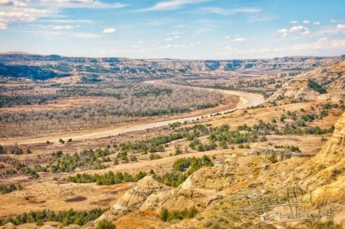 Little Missouri River, North Dakota Badlands, Theodore Roosevelt National Park.