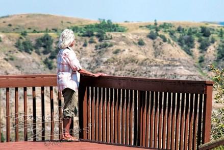 selfie overlook little missouri State Park