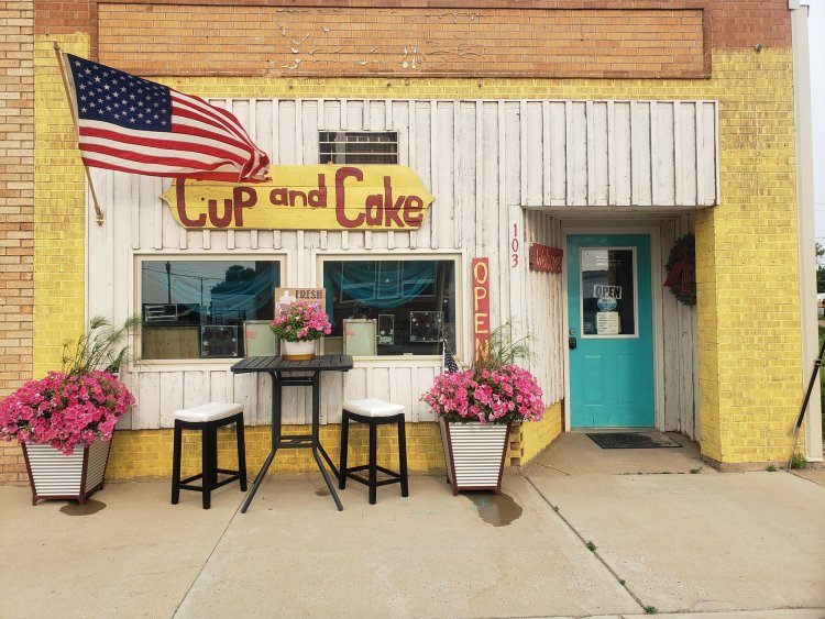 You'll find specialty coffees, teas, lemonades, bakery items and wonderful ice cream at the Cup and Cake in Belfield, North Dakota.