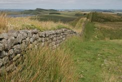 Hotbank Crags, Hadrian's Wall, looking east