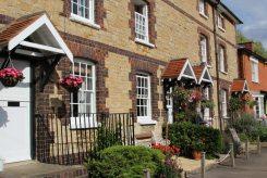 Canalside cottages, Stoke Bruerne