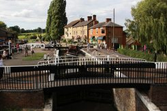 Footbridge across the lock, Stoke Bruerne