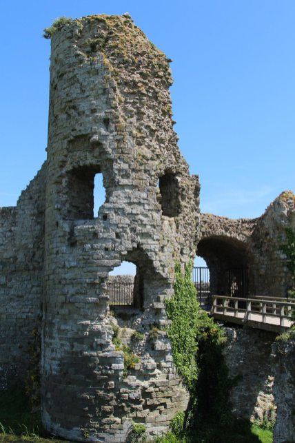 Gatehouse to the Inner Bailey, Pevensey Castle, Pevensey
