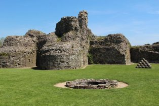 The Well, the Keep and Catapult Stones, Inner Bailey, Pevensey Castle, Pevensey