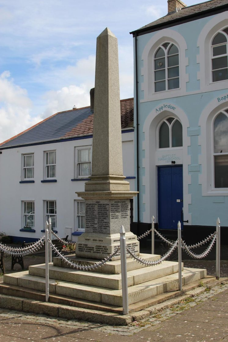 War Memorial, Appledore