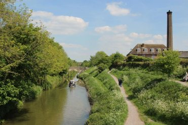 Kennet and Avon Canal, from Cemetery Road Bridge, Devizes
