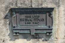 Plaque, No. 17 Royal Crescent, home of Sir Isaac Pitman, Bath