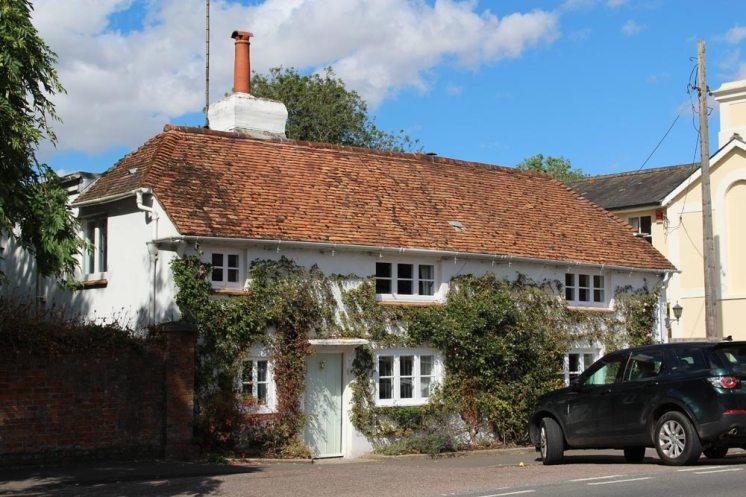 Waterlow cottage, High Street, Stockbridge
