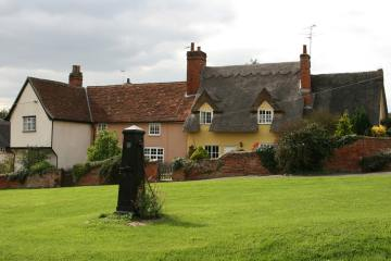 Cottages and Village Pump, Monks Eleigh