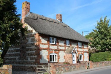 Thatched cottage, Broad Street, Uffington