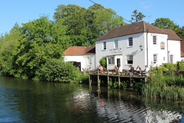 The Dundas Arms, Kennet and Avon Canal, Kintbury