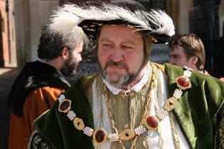 Henry VIII, Hampton Court Palace