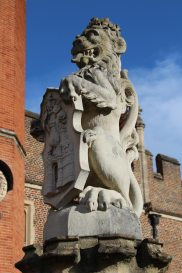 The Queen's Lion, The King's Beast, Hampton Court Palace