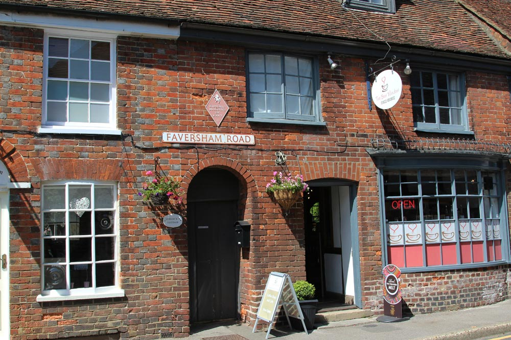 The Bow Window, The Square, Lenham