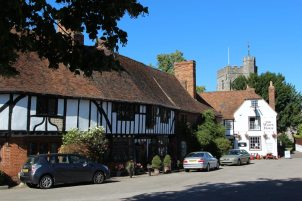 15th century cottages and The White Horse, The Square, Chilham