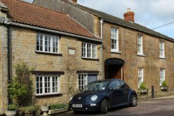 Charles II cottage and The Old George Bed and Breakfast, Broadwindsor