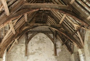 Cruck roof of the Hall, Stokesay Castle