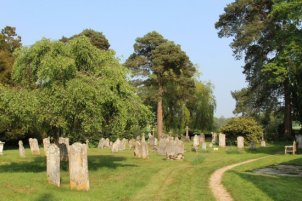 St. Nicholas Churchyard, Wickham