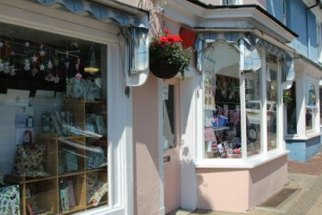 Alresford Gift Shop, West Street, Alresford