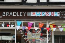 Bradley Wiggins shop, Hampton Court. Olympic Road Cycling Time Trials, 2012