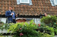 Mike Bushell, BBC News sports presenter, Hampton Court. Olympic Road Cycling Time Trials, 2012