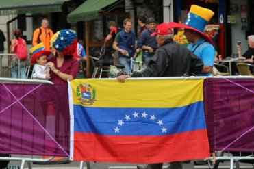 Venezuelan family and flag, Hampton Court. Olympic Road Cycling Time Trials, 2012