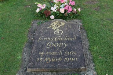 Grave of Roald Dahl's step-daughter, Lorina Crosland, St. Peter and St. Paul Churchyard, Great Missenden