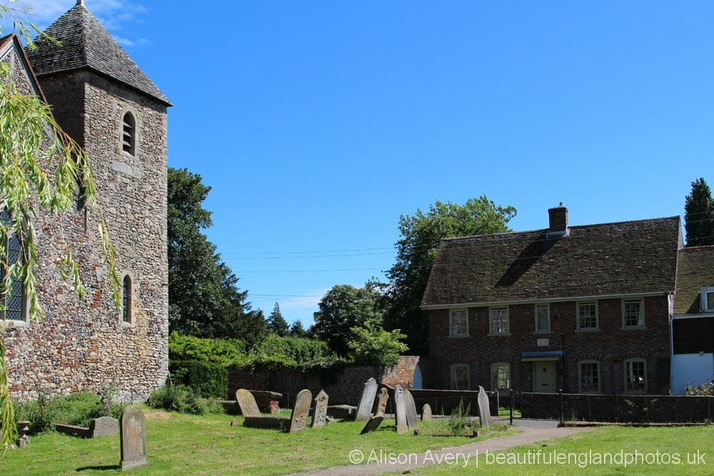 Church Cottage and St. Margaret of Antioch Church, Lower Halstow