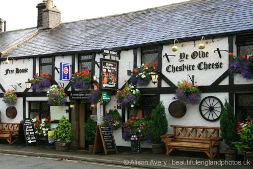 Ye Olde Cheshire Cheese Inn, Castleton