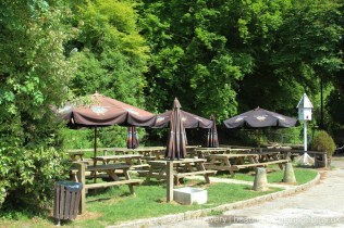 The Plough at Cadsden pub garden, Cadsden