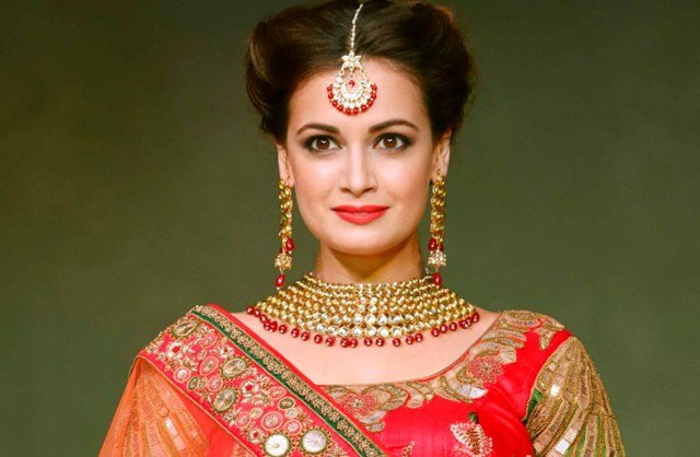 Beautiful girls in India - Dia Mirza, beautiful indian girl image, beautiful girl image, indian girls photos, indian girls images