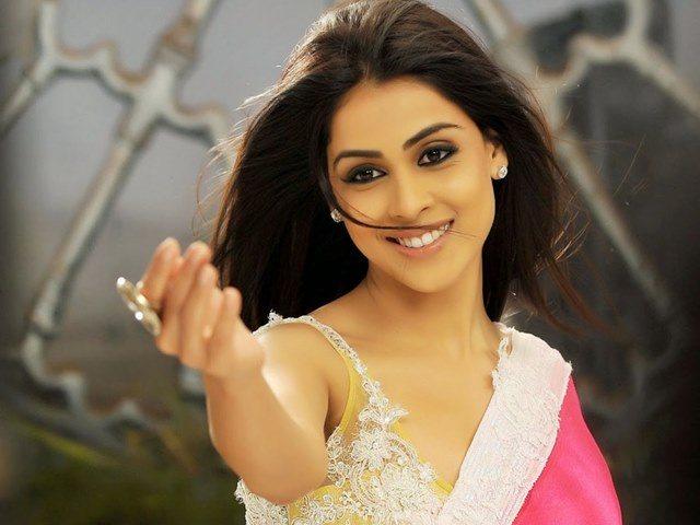 Beautiful girls in India - Genelia D'souza, beautiful indian girl image, beautiful girl image, indian girls photos, indian girls images