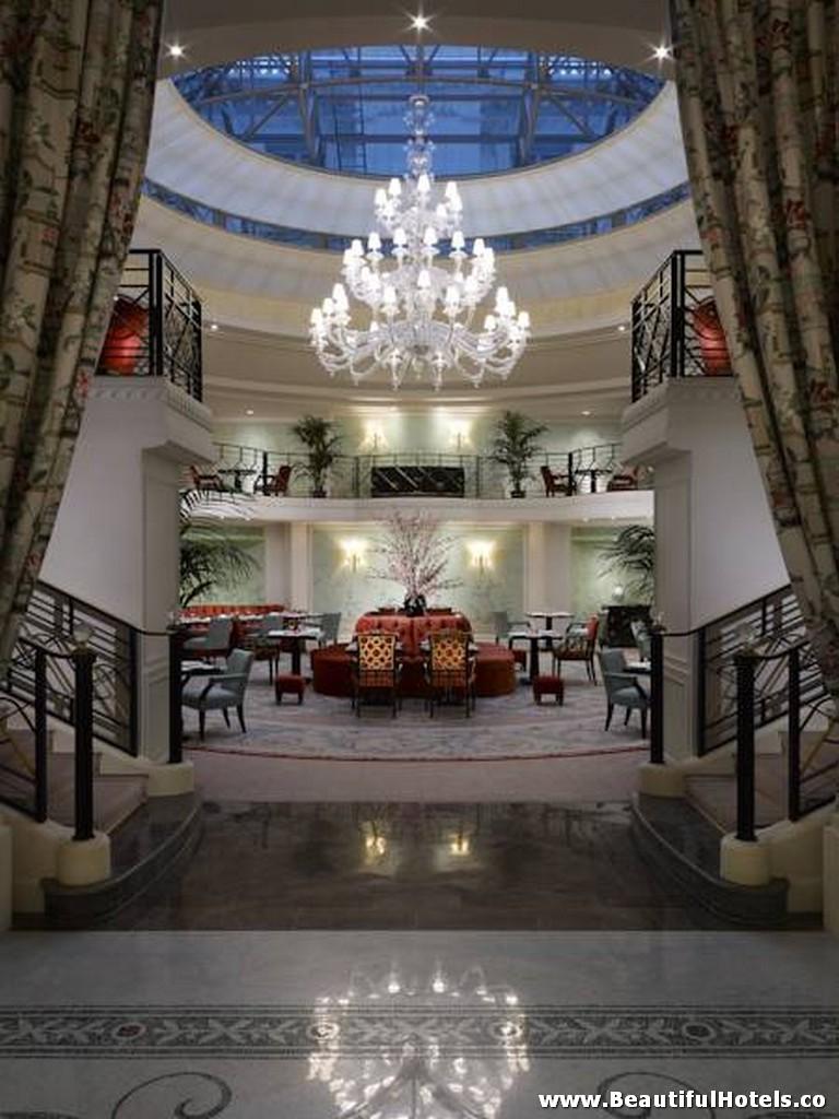 Shangri-La Hotel (Paris, France) 10