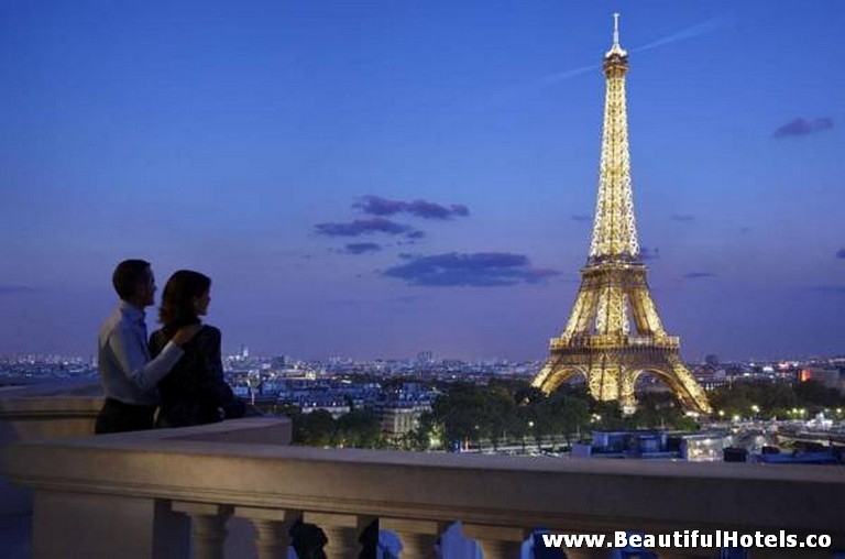 Shangri-La Hotel (Paris, France) 11