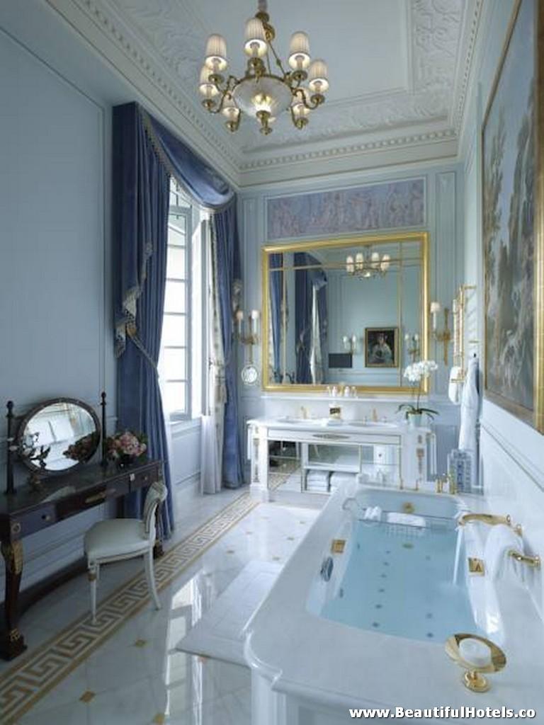 Shangri-La Hotel (Paris, France) 28