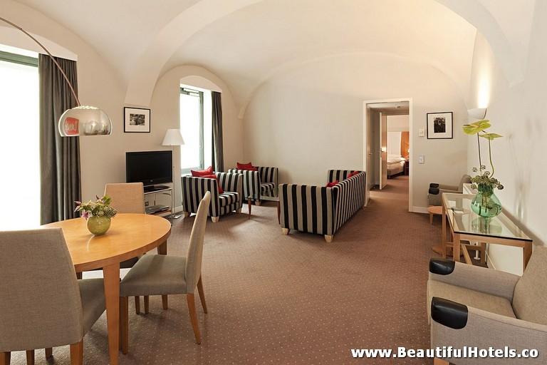 das-triest-hotel-vienna-austria-3