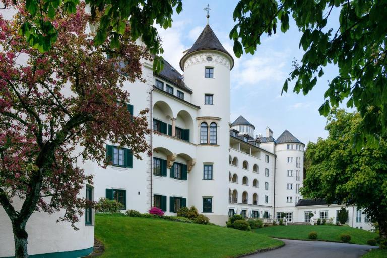 Romantik Hotel Schloss Pichlarn (, Austria)