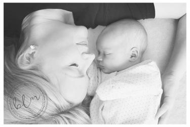 lifestyle-newborn-baby-mum-black-white-banstead-surrey-beautifullittlemoments