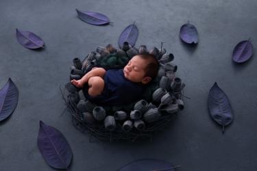 newborn-baby-boy-photo-shoot-epsom-surrey-blue-3