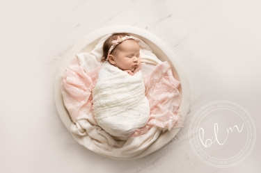 newborn-baby-photo-shoot-epsom-surrey-white-pink-rustic-bowl